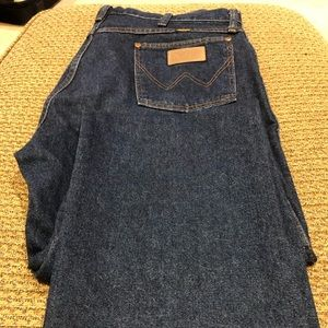 Mens wrangler dark blue jeans 38 x 34